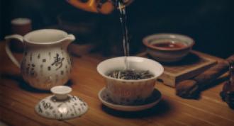 A 2014-es 100 kínai randevú show közül egy